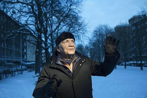 Eino Grönillä on takanaan 42 vuotta raitista elämää.