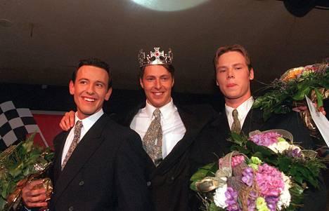 Esko Eerikäinen (oik.) Vuoden mies -kilpailussa vuonna 1998.