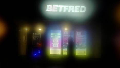 Betfred-yhtiön myymälä Lontoossa. Arkistokuva.