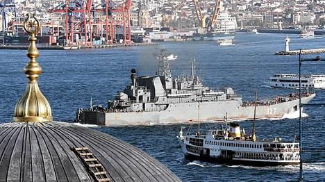Venäjän laivaston alus siirtyi Bosporinsalmen kautta Välimerelle torstaina.