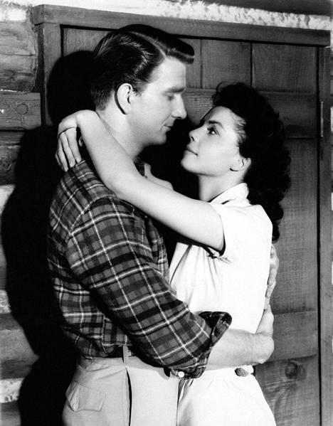 Leslie Nielsen elokuvassa Hot Summer Night vuonna 1957.