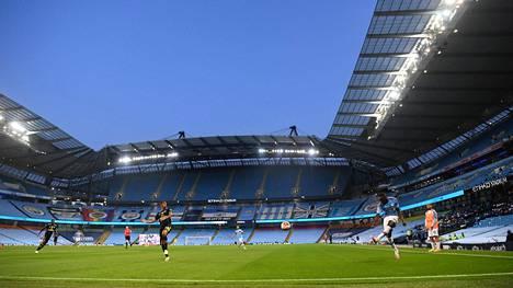 Arsenal ja City kohtasivat 17. kesäkuuta Manchesterissä Valioliigan paluuottelussa. Ottelu pelattiin tyhjille katsomoille.