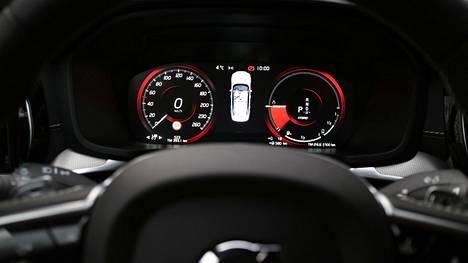 Nopeusmittarin skaala ei liioittele: huippunopeus on 250 km/h.