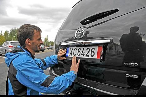 Jotta autoon saa vientikilvet Latviassa, on sen taustojen oltava kunnossa.