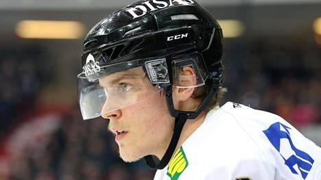 Saku Mäenalanen ei ole pelannut urallaan yhtäkään A-maaottelua.