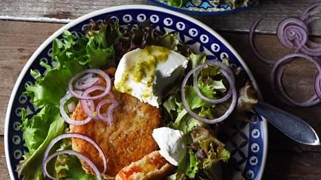 Herkulliset ruokaisat salaatit – näin pihvitomaatin mausta saa huikean