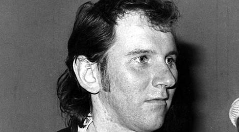 Hurriganes-basisti Cisse Häkkinen menehtyi 20 vuotta sitten maksavaurioon.