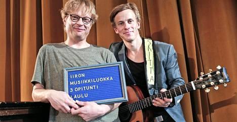 Konsta Hietanen ja Iiro Rantala tekevät yhdessä Iiron musiikkiluokka -ohjelmaa.