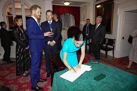Herttuaparilla on riittänyt kiireitä töiden osalta.
