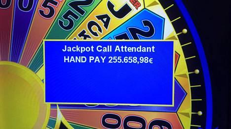 Voitto tuli Hot Spin -peliautomaatista.
