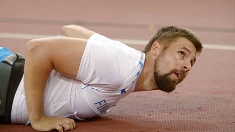 Antti Ruuskasen kasvot kokivat ison muodonmuutoksen keihäsfinaalin jälkeen.