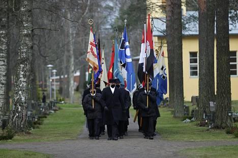 Tuomas Gerdtin hautajaissaattuetta.
