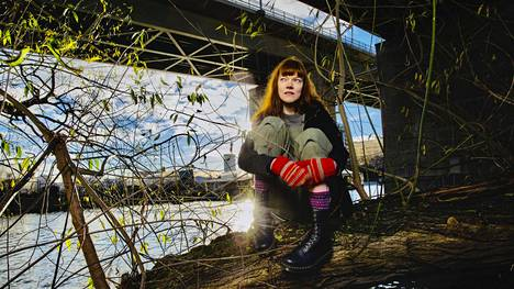 Sini Saarela liittyi Greenpeaceen 19-vuotiaana.