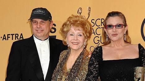Todd Fisher menetti päivässä kaksi rakkaintaan; äitinsä Debbie Reynoldsin ja sisarensa Carrie Fisherin.
