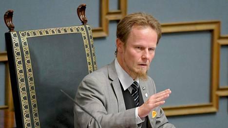 Eduskunnan toinen varapuhemies Juho Eerola uskoo Päivi Räsäsen korjaavan toimintatapojaan, eikä aio käydä Raamattu-asiasta enää erillistä keskustelua.