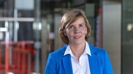 Rkp:n puheenjohtaja Anna-Maja Henriksson