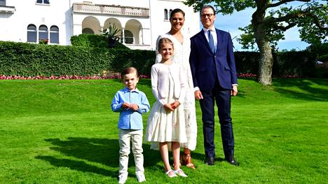 Ruotsin kruununprinsessa Victoria ja prinssi Daniel rakennuttavat Tukholman saaristoon kesäparatiisia. Kuvassa taustalla Sollidenin linna.