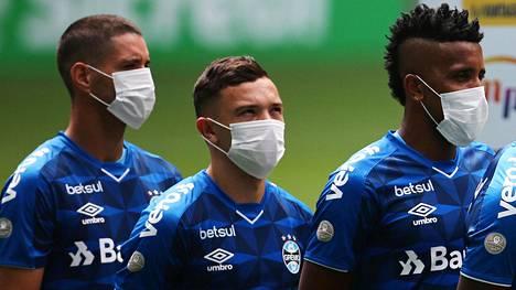 Griemon pelaajat protestoivat jalkapalloviranomaisten kyseenalaisia päätöksiä.