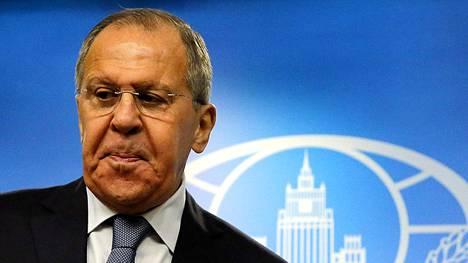 Sergei Lavrov tiedotustilaisuudessaan maanantaina.