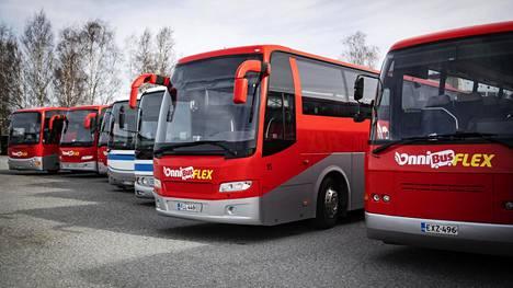 Onnibus-yhtiö on vähentänyt reittejään ja -vuorojaan 18 prosenttiin normaalitarjonnasta. Kesäkuussa vuoroja aiotaan taas lisätä.