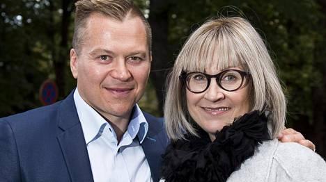 Petteri Nummelin ja Riina-vaimo vuonna 2015.