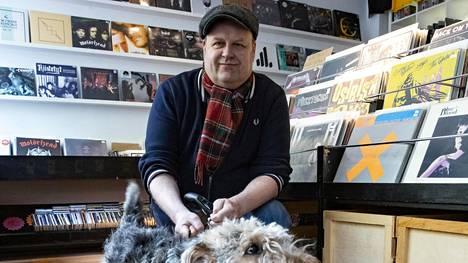 Suomalaiset nuoret miehet pistivät pystyyn levy-yhtiön, joka julkaisi historialliseksi muodostuneen kappaleen – nyt siitä on kulunut 30 vuotta
