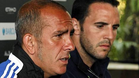 Sunderlandin manageri Paolo Di Canio (vas.) ja kapteeni John OShea.