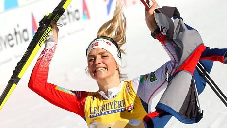 Therese Johaug saavutti tiistaina uransa 12. henkilökohtaisen maailmanmestaruuden.