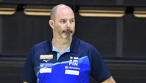 Suomen lentopallomaajoukkueen päävalmentaja Joel Banks odotti parempaa Salossa.