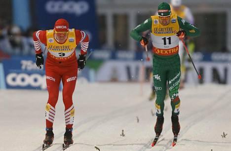 Bolshunov ja Pellegrino loppusuoran mittelössä Rukan maailmancupissa 2018.