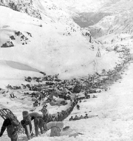 Veljekset ylittivät Chilikoot-vuoret matkalla Klondikeen.