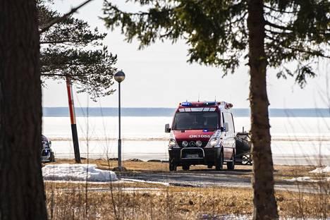 Onnettomuuspaikka sijaitsee lähellä Peuhun kartanon rantaa.
