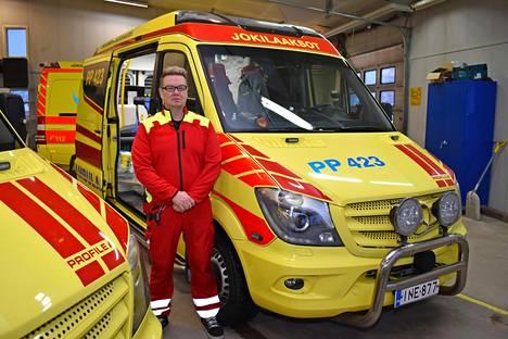 Erikoishoitomestari Marko Jämsen pelkää potilaiden turvallisuuden puolesta, jos polttomoottori kielletään.