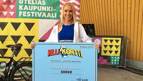 Aituri Annimari Korte palkittiin hyvistä otteistaan Villi kortti -ohjelman 3000 euron urheilija-apurahalla.