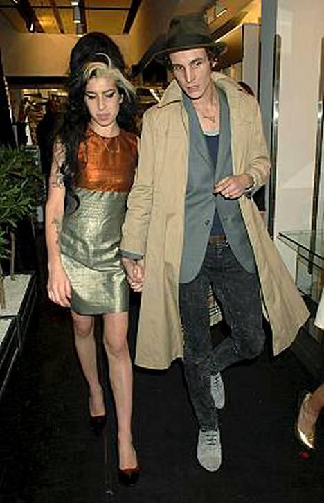 Amy Winehousen ja Blake Fielder-Civilin liitto on vaikeuksissa.