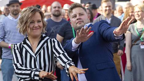 Hallitsevat tangokuninkaalliset Saana Sassali ja Jarno Kokko laittoivat jalalla koreasti.