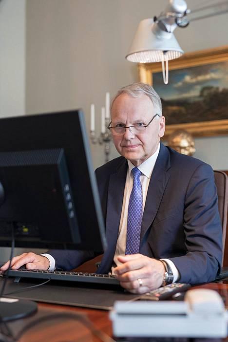 Maa- ja metsätalousministeriö sijaitsee Senaatintorin läheisyydessä Helsingissä. Leppä on istunut ministeriön isäntänä Juha Sipilän (kesk) hallituksesta alkaen. Sitä ennen hän toimi 10 vuotta maa- ja metsätalousvaliokunnan puheenjohtajana.