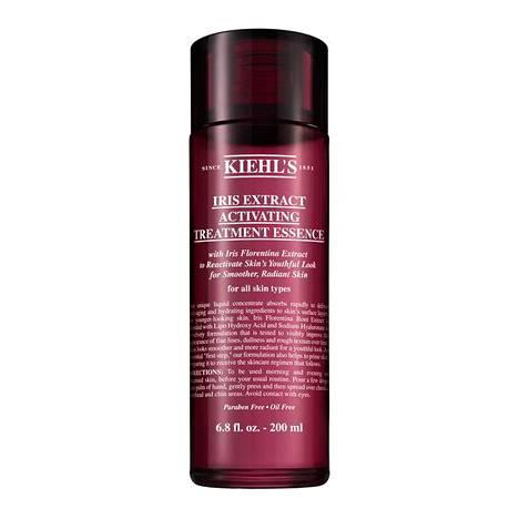 Kiehl's Iris Extract Activating Treatment Essence -hoitovesi imeytyy nopeasti ja sisältää kosteuttavia ja anti aging -aineosia. 43 € / 200 ml.