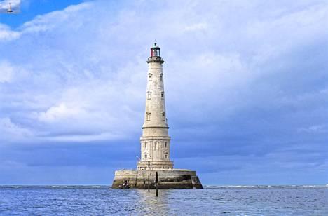 Cordouanin majakka sijaitsee pienellä saarella Royanin kaupungin edustalla Ranskan Atlantin-rannikolla.