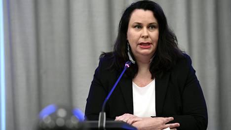 Perustuslakivaliokunnan puheenjohtaja Johanna Ojala-Niemelä (sd).
