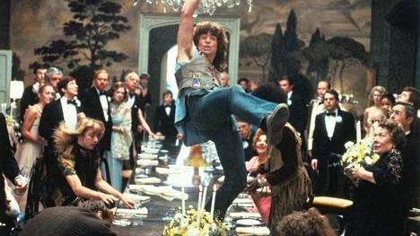 Vuoden 1979 Hair-elokuva aloittaa Teeman musikaalikesän. Kanavalla esitetään musikaalielokuvia lauantaisin 9.6 alkaen.