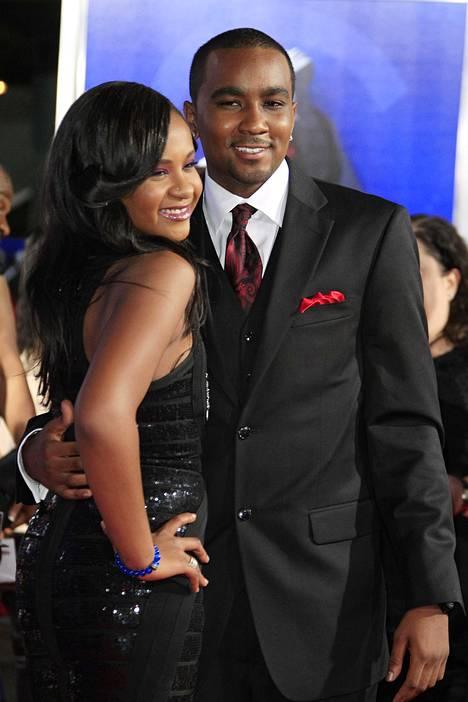 Perhe tuomitsi Bobbi Kristinan ja Nick Gordonin suhteen, sillä Whitney oli kasvattanut Nickin. Perheen mukaan Bobbi Kristina ja Nick olivat olleet kuin veli ja sisko.
