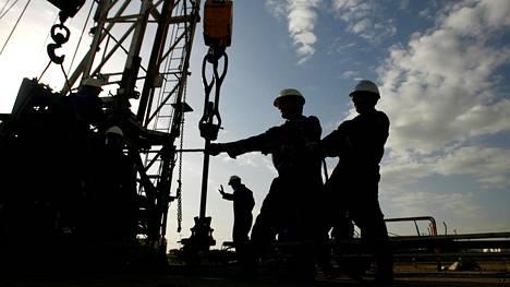 Venezuela pumppaa nyt vähemmän öljyä kuin rajoitusten piirissä olisi mahdollista.