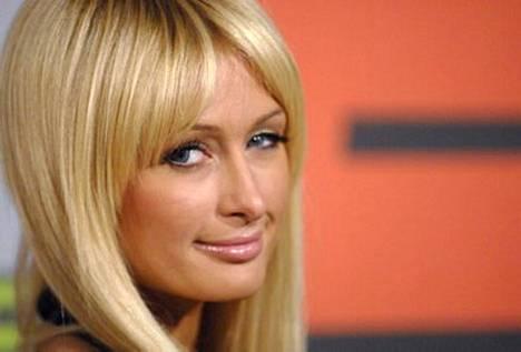 Julkkisnaisia initiimisti tapaillut pornotuottaja reittaa vankalla ammattitietämyksellään Paris Hiltonin sänkytaidoiltaan ylivertaiseksi.