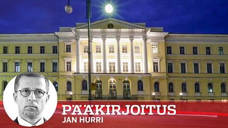 Valtioneuvoston linnasta johdetaan Suomea. Nykypoliitikkojen esiintyminen muistuttaa sketsiviihdettä, mutta pohjimmiltaan kyse on vakavasta asiasta ja keljusta kehityksestä, jonka päätteeksi hymy voi hyytyä.