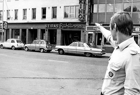 Liisa meni ensimmäistä kertaa töihin ravintola Keitaaseen 1965. Elokuisesta työvuorosta 1974 tuli hänen viimeisensä.