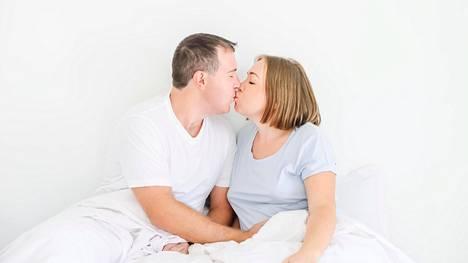 Huomioi kumppanisi vaikka päivittäisellä suukolla.