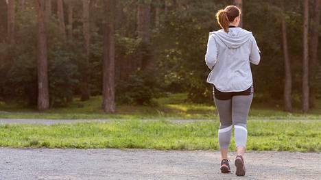 Kanadalaistutkimus vahvistaa näyttöä liikunnan lisäämisen ja istumisen vähentämisen terveyshyödyistä.