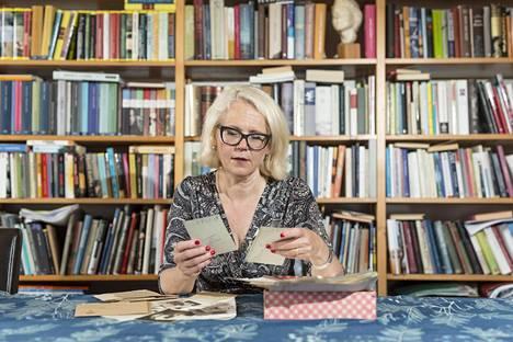 Helena Ruuskan Eeva Joenpellosta kirjoittama elämäkerta ilmestyi lokakuussa.