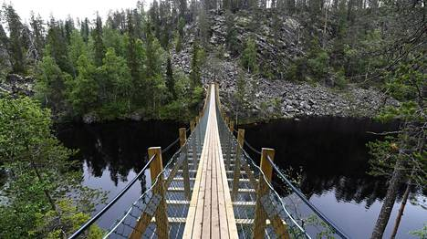 Julma-Ölkyn kanjonijärvi sijaitsee Hossan kansallispuistossa.